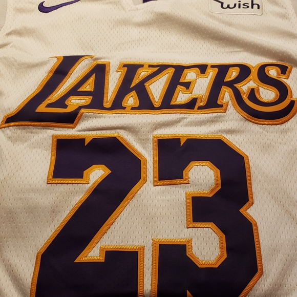 sports shoes 5be22 7c1bd Authentic Lakers Jersey Lebron James NWT